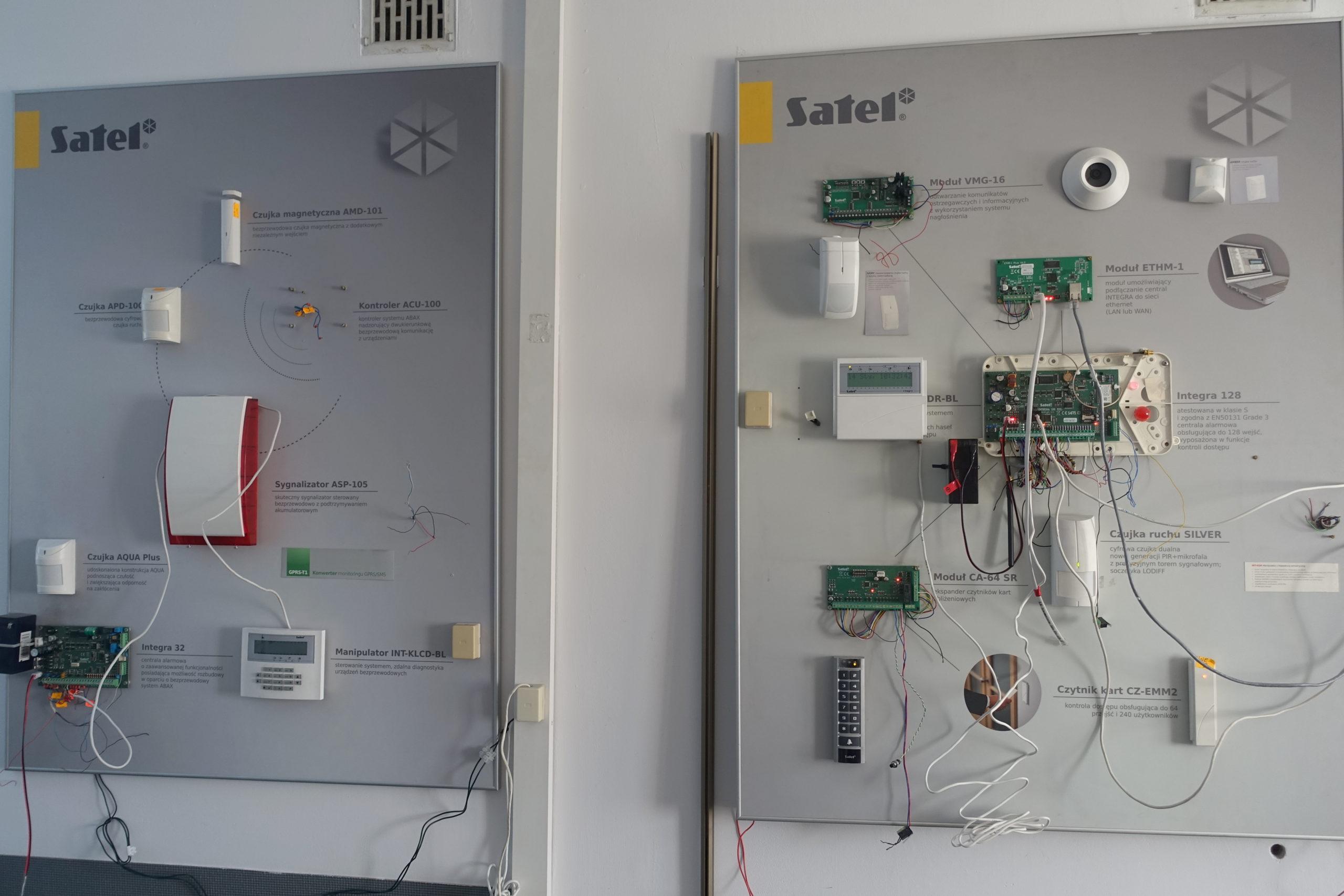 ramar-moduly-czujki-satel-integra-tablica-promocyjna-wystawa